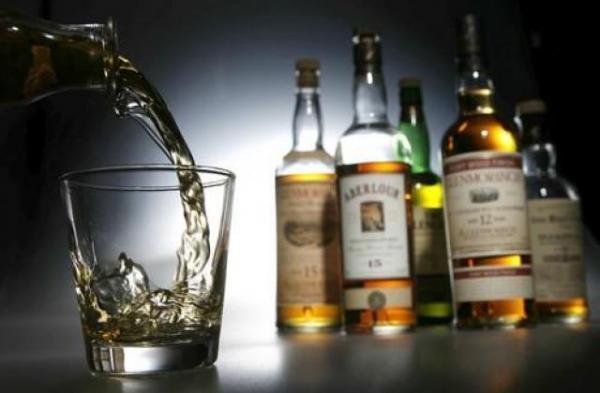 В 2018 год Минфин не будет повышать минимальную розничную цену на алкоголь