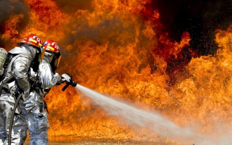 firefighters-115800_960_720
